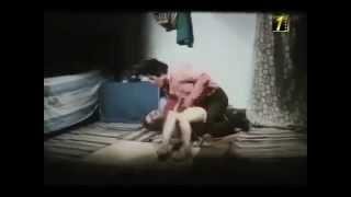 مشهد ساخن من السينما المصرية محذوف