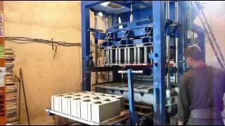 Вибропресс БП-250, производство блока, тм БУМ(, 2016-07-11T16:18:36.000Z)
