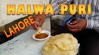 HALWA POORI VENDOR - Traditional Pakistani Breakfast [English Translation] 4K video