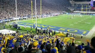 LA Rams vs Cowboys playoff game Note 9 atmosphere