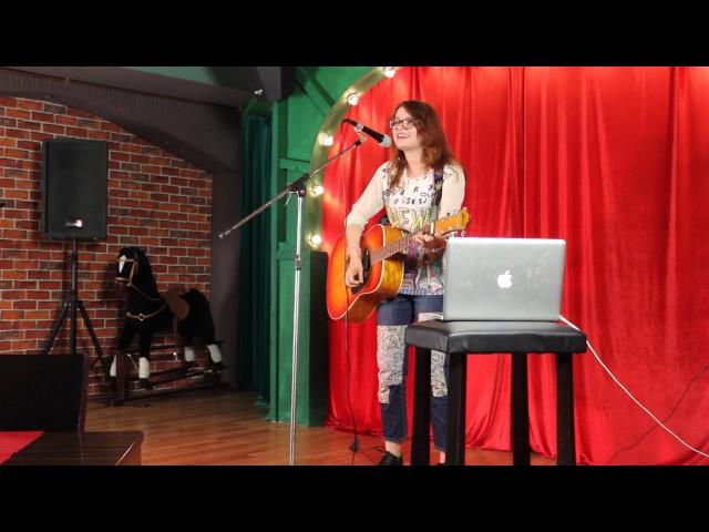 Неоновые огни (авторская песня). Выступление в баре