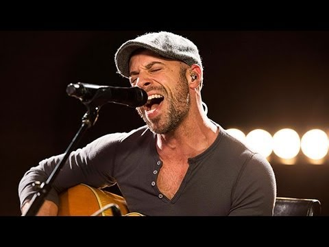Daughtry Performs Chris Isaak's 'Wicked Game' Live - Candid Covers