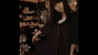 moca (土山 久美子) 1st Albam 「毒りんご」曲名:紫陽花http://mocaron.web.fc2.com/ 京都のラジオでも紹介されました.