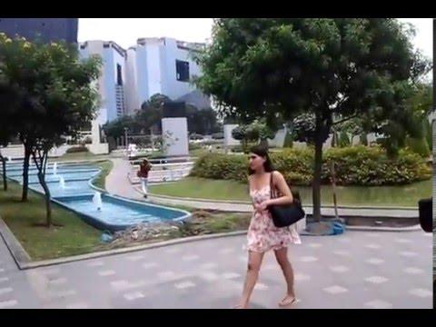 Paseando por la prestigiosa Universidad de Lima (Lima, PERU)