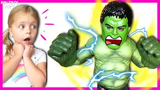 Hulk and Spider-Man Versus the Little Fly | Hulk Smash! | Pretend Play Superheroes