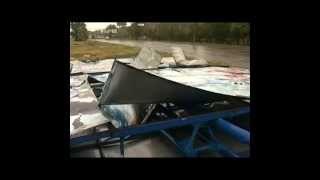 Ураган в Мариуполе парализовал город, ветер вырывал бетонные опоры и ломал металлические конструкции(Городские власти борются с последствиями стихии Подробнее: http://www.segodnya.ua/regions/donetsk/uragan-v-mariupole-paralizoval-gorod-veter-vyryv., 2014-09-24T11:31:17.000Z)