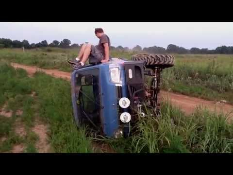 Monster Daihatsu HiJet Roll Bar Testing Crash.  ダイハツ ハイゼットトラック