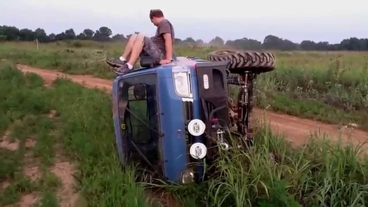 Monster Daihatsu HiJet Roll Bar Testing Crash. ダイハツ ハイ
