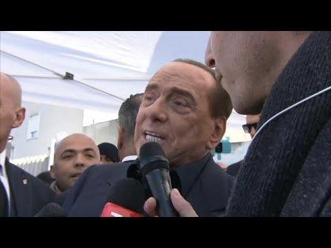 Silvio Berluscono candidata-se ao Parlamento Europeu