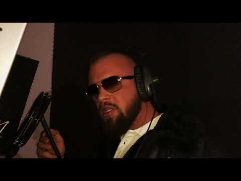 KOLLEGAHs LYRIK LOUNGE #19 - Der BILD Redakteur (prod. by phil fanatic & hookbeats) on YouTube