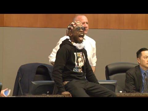 Brother of Sacramento Shooting Victim Stephon Clark Leaps Onto Mayor's Desk