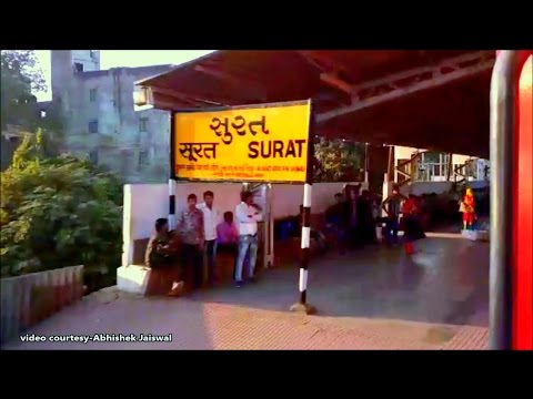 [IRI] Full Pack SURAT Station Ignored by Pune Delhi Duronto at Fast Speed