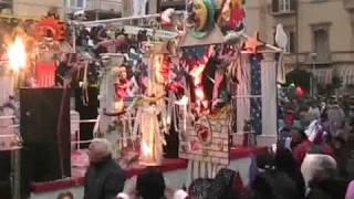 """Carnevale di Viareggio 2011: """"Il tempio dell"""