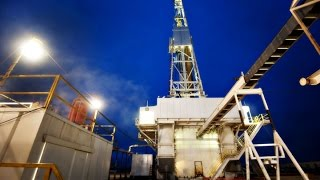 Mohamed El-Erian: Cheap Oil May Tip Certain Countries Over