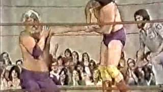 Bill Dundee vs Larry Latham with Sgt Danny Davis (4-19-80) Classic Memphis Wrestling