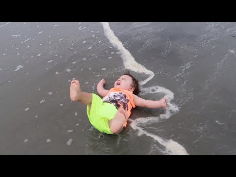 Ocean Attacks Baby! | Twins 1st Vacation | Myrtle Beach