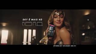 Gisele Bündchen é Mulher-Maravilha em novo comercial da SKY