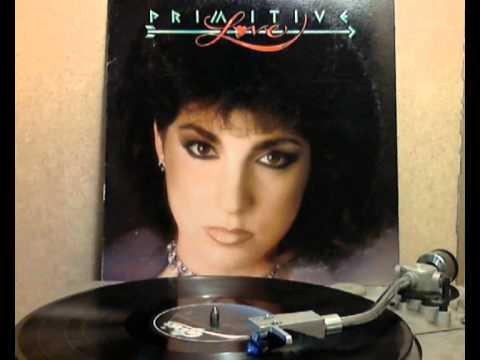 Gloria Estefan & Miami Sound Machine - Falling In Love (Uh