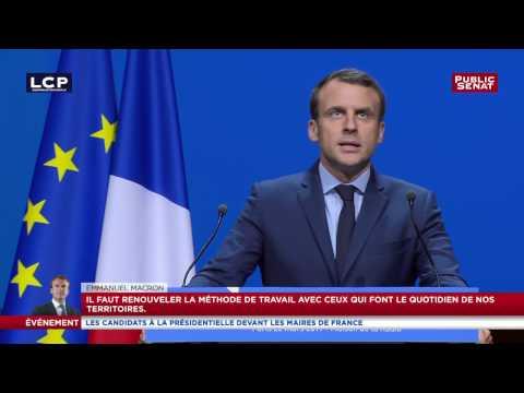 Emmanuel Macron, sifflé par des maires, leur répond