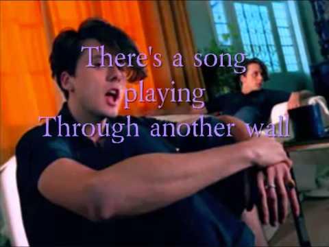 Suede - The Wild Ones Lyrics
