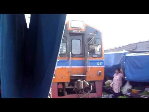 Amazing Thailand!  Railway Market:Maeklong ,  The Train That Goes Through a Market #1