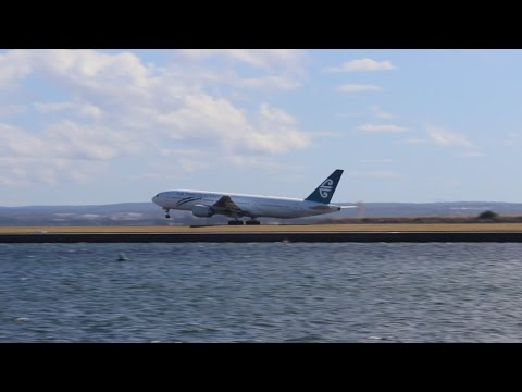 Afternoon Plane Spotting at Sydney Airport, Medium Aircraft only (Plus a 777)