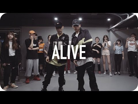 Alive - Lil