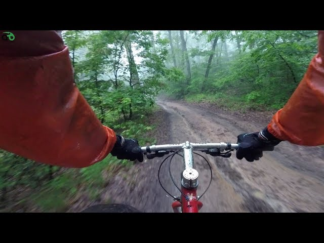 Aventuri pe bicicleta : Tura de mai