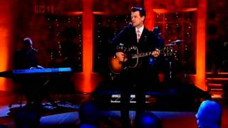 Chris Isaak singing Its now or never on the Alan Titchmarsh ...