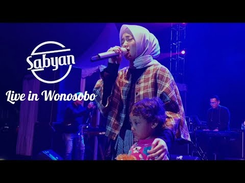''El OUM'' Anak Kecil Cantik Hilang Di Konser Sabyan Wonosobo