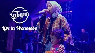 [7.06 MB] ''El OUM'' Anak Kecil Cantik Hilang di Konser Sabyan Wonosobo