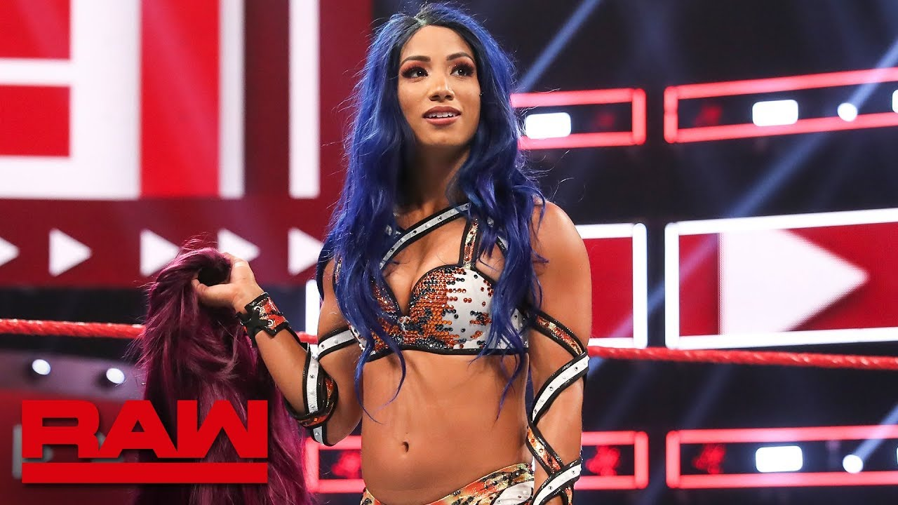Sasha Banks attacks Natalya and Becky Lynch in surprising WWE return
