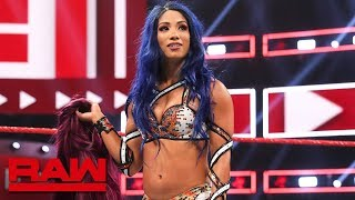 Gambar cover Sasha Banks returns to WWE: Raw, Aug. 12, 2019