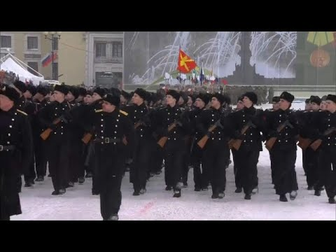 شاهد: سان بطرسبرغ تحتفل بالذكرى الخامسة والسبعين لحصار لينينغراد…