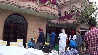 IHL273. Бабушка с кинжалом на боку. Перед свадьбой в Пенджабе в доме невесты. Индия.