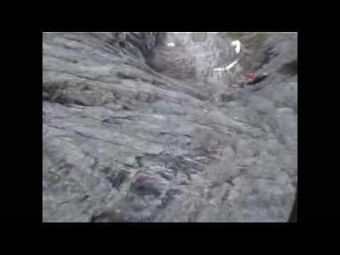 trollveggen base jump