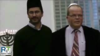 Ahmadiyya Muslims celebrate Hanukah