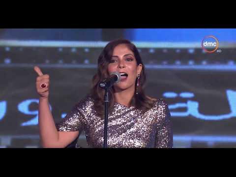 مني زكي تهدد أحمد حلمي ' خاف مني يا حلمي هاوريك '   حفل توزيع جوائز السينما العربية