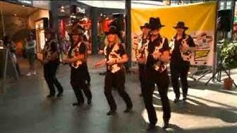 Auftritt der Dizzy Dancers Show Group im Grüssen-Center in Pratteln am 27. September 2009