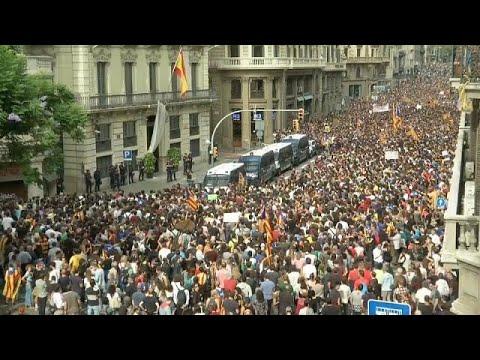 اضراب في كاتالونيا احتجاجا على عنف الشرطة الاسبانية  - 17:22-2017 / 10 / 3