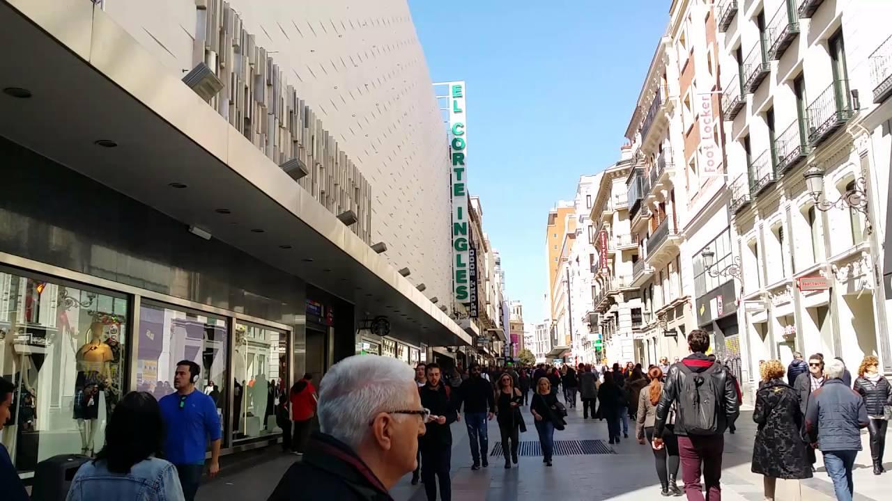 Viaje a madrid calle preciados en frente de sfera y corte for Corte ingles plaza del sol madrid