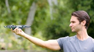 DJI Sparkは送信機やモバイルデバイスを使わなくても、操縦が可能です。...