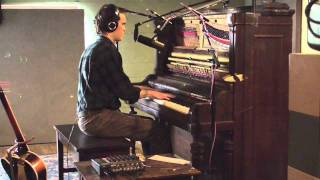 "Peter Broderick - ""Human Eyeballs On Toast"" Studio Recording"