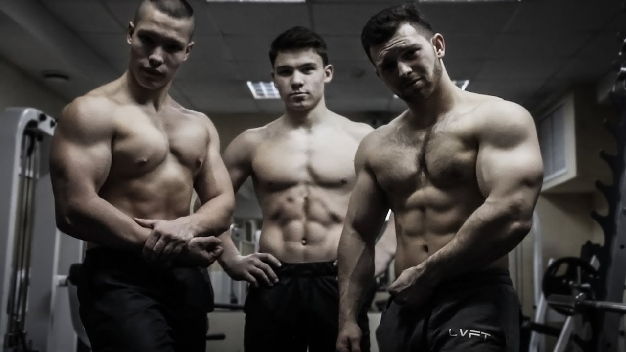 Muscle boyz going at it