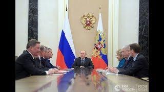 Владимир Путин на заседании Совбеза по вопросам госполитики в сфере космоса