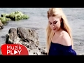 Gizem Kara - Hayatım Paramparça (Official Video) mp3 indir