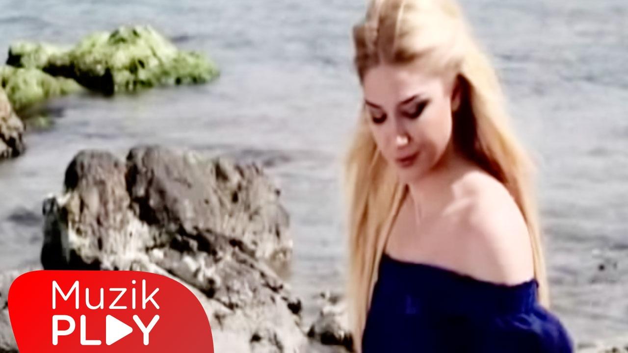 Gizem Kara - Hayatım Paramparça (Official Video)
