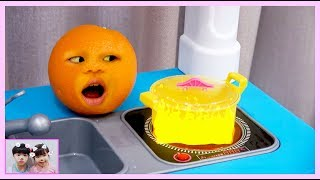 What if Fruits is alive? Fruits pretend play with kids toys 과일들이 살아 있어요! 주방놀이 장난감 놀이 - 로미유 Romiyu