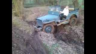 jeep willis off road (moteur indenor)