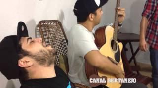 Baixar Henrique e Juliano cantando com amigos, no Canal Sertanejo